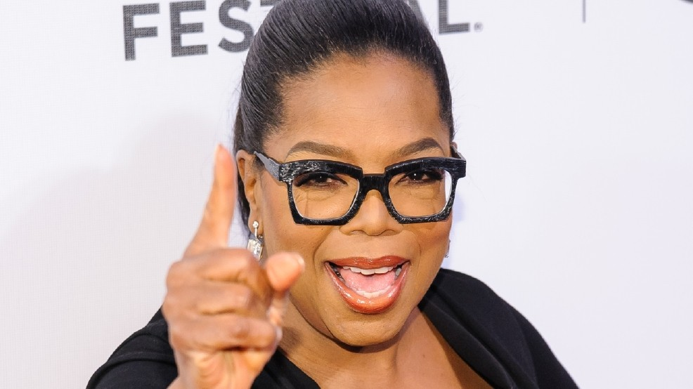 66867e670b Oprah says Kelly Ripa should have been told about co-host s exit