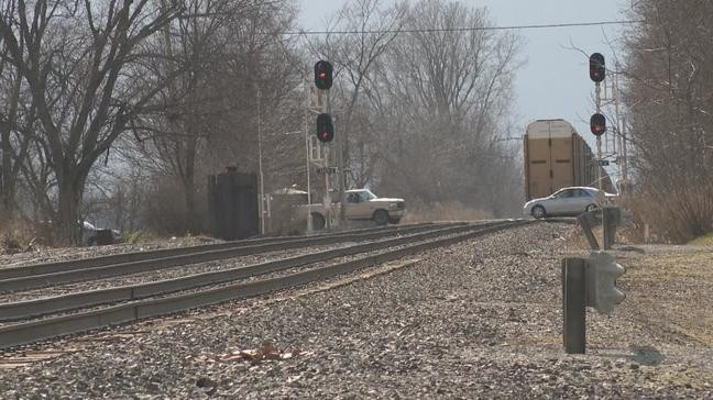 Stopped trains stop life in Hardin County village | WSYX