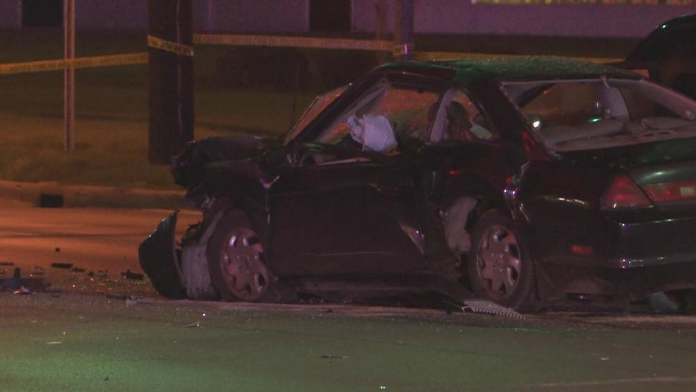 Man killed in late-night crash near Bexley after police say