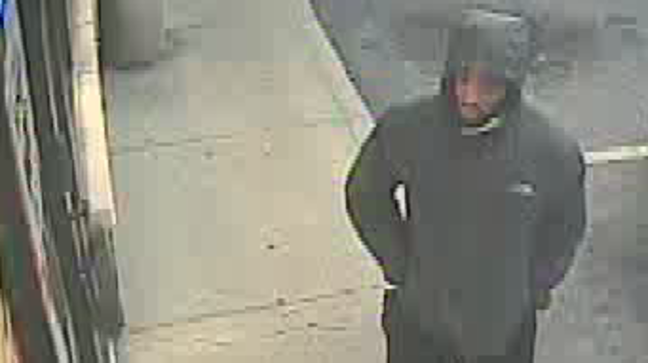 Pawn Shops Columbus Ohio >> Masked Man And Accomplice Rob Pawn Shop Threaten To Shoot